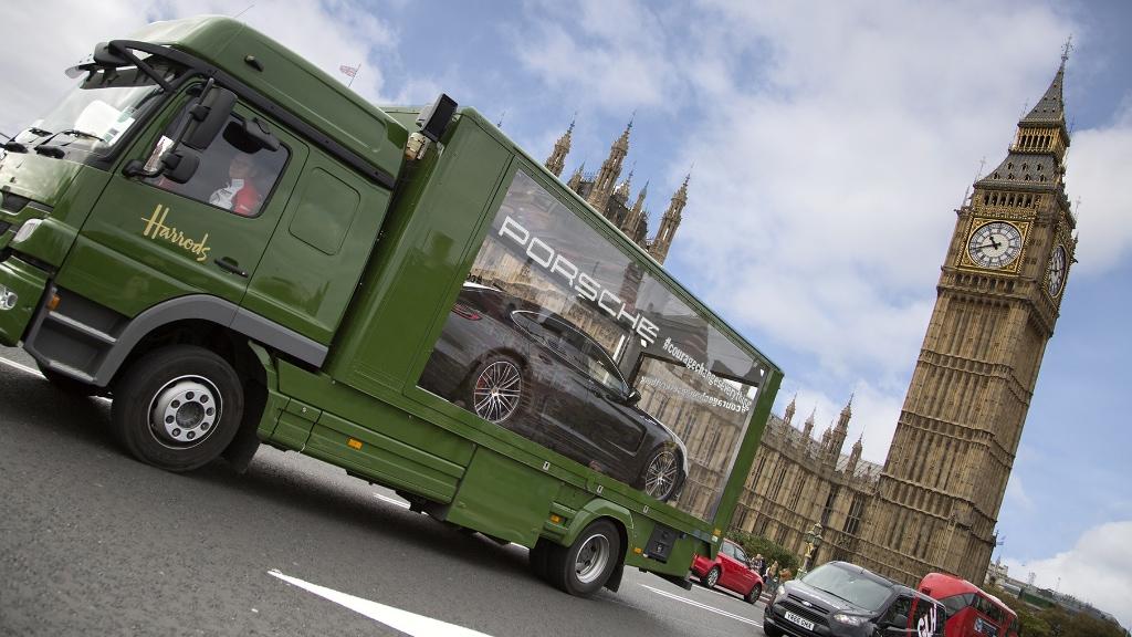 Harrods Porsche Big Ben2